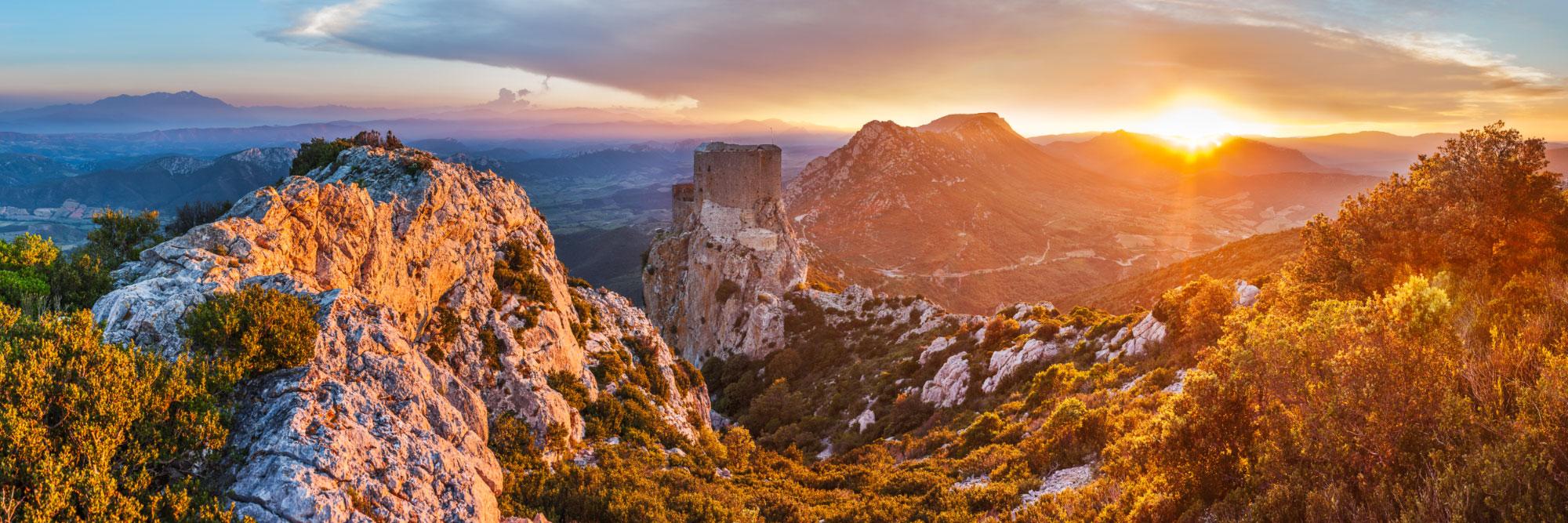 Топ-10 мест в регионе Лангедок-Русильон (Languedoc-Roussillon), Франция: самые красивые города и деревеньки в Лангедок-Русийоне. Что обязательно посмотреть.