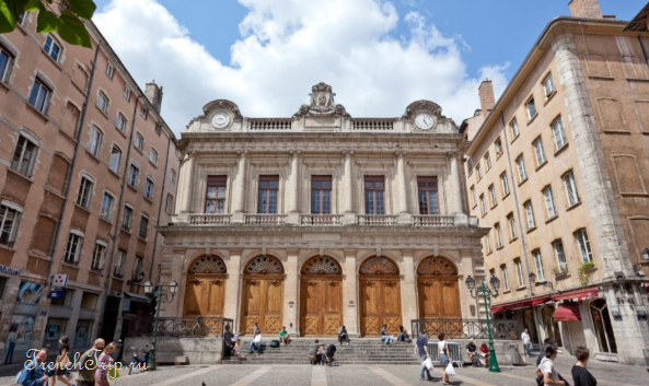 Lyon-Le Temple du Change