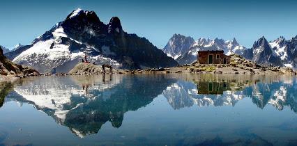 Chamonix-Mont-Blanc (Шамони-Монблан) - самый популярный горнолыжный курорт Франции. Как добраться - расписание транспорта, трансферы. Ски-пассы, путеводитель Шамони-Монблан, Шамони, достопримечательности Шамони, путеводитель по Шамони, гид по ШАмони, ски-пассы Шамони, как добраться в Шамони, на самолете в Шамони, из аэропорта в Шамони, на машине Шамони, тоннель Шамони, поезд в Шамони, на автобусе в Шамони, стоимость автобуса в Шамони, стоимость трансфера в Шамони, Шамони, Шамони Франция, погода в Шамони, что посмотреть в Шамони