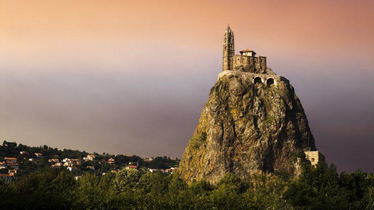 Достопримечательности Ле Пюи ан Веле Le Puy-en-Velay, Овернь, Франция