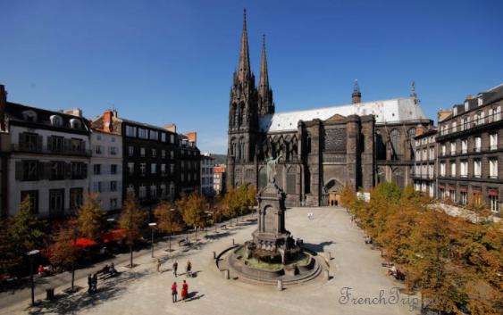 Clermont-Ferrand - Клермон-Ферран - достопримечательности, маршрут по городу, что посмотреть, фото - csquare black