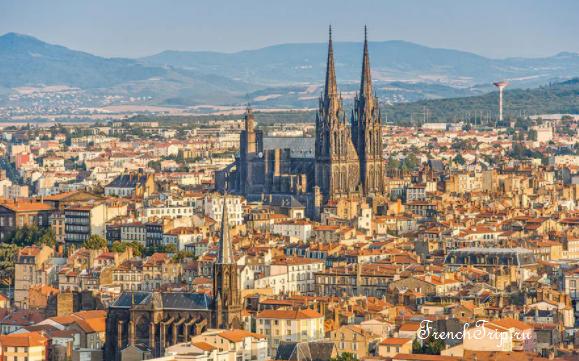 Музеи Клермон-Феррана Clermont-Ferrand - Клермон-Ферран - достопримечательности, маршрут по городу, что посмотреть, фото - panorama