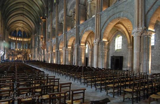 Базилика Сен-Реми в Реймсе Базилика святого Ремиглия (Basilique Saint-Remi