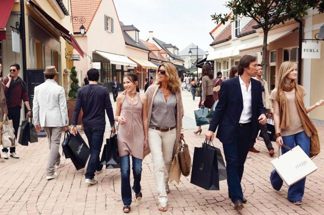 La Vallée Village Outlet Shopping - аутлеты Франции