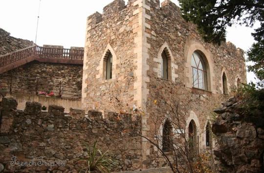 Castelnou (Кастельну), Лангедок-Русийон, Франция - путеводитель