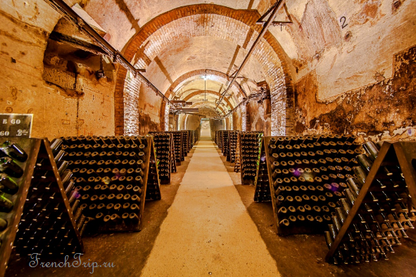 Champagne cave Reims