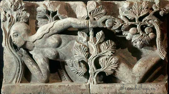 Autun cathedral sculpture Eva