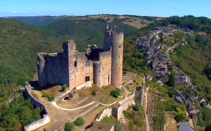 Нажак (Najac), Франция - достопримечательности, путеводитель, фото Najac, замок Najac, достопримечательности Najac, как добраться в Najac, в окрестностях Тулузы, в окрестностях Альби