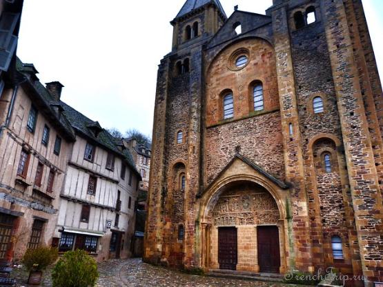 Церковь аббатства св. Фе в Конке, Abbatiale Sainte-Foy de Conques, Abbeu church Conques, Conques, main sights Conques, аббатство Конк, монастырь Конк, церковь Конк