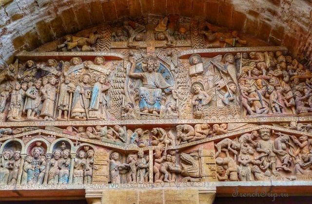 Тимпанум аббатской церкви святой Фе в Конке