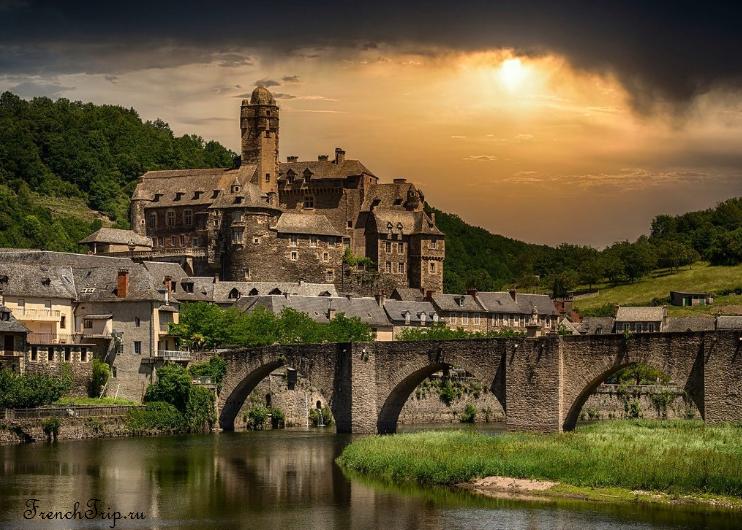 Estaing, Aveyron, в окрестностях Родеза, самые красивые деревни Франции, достопримечательности Франции, путеводитель по Франции, что посмотреть во Франции