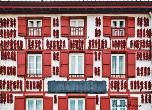 Espelette (Эспелет), Франция - достопримечательности, путеводитель по городу, фото, перец