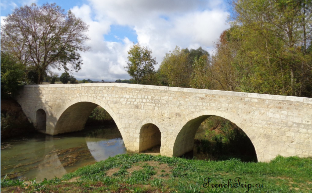 Larressingle_bridge pont-roman-de-l artigues