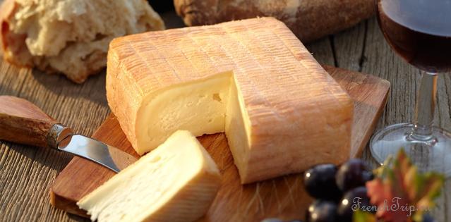 Le Maroilles cheese 10 лучших французских сыров