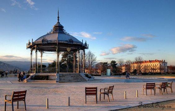 """Где сказать """"Я тебя люблю"""" во Франции: 10 самых романтичных мест во Франции павильон в Валансе"""