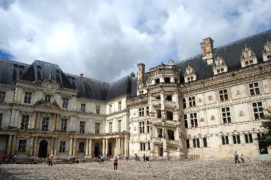Chateau de Blois (Королевский замок Блуа)
