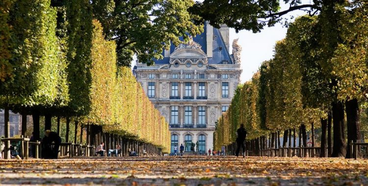 Париж, Лувр, Франция - Маршруты по Франции