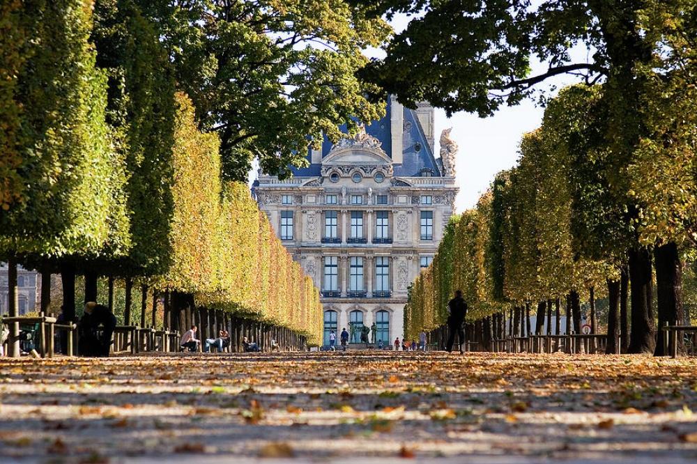 Королевские замки Франции Париж, Лувр, Франция - Маршруты по Франции Французские королевские резиденции