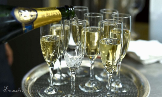 Изготовление шампанского - процесс изготовления шампанских вин в Шампани, стадии изготовления шампанского. Как делают шампанское. Французское шампанское., путеводитель по Шампани, погреба шампанских вин, путеводитель по Франции, скачать бесплатно, @frenchtrip.ru