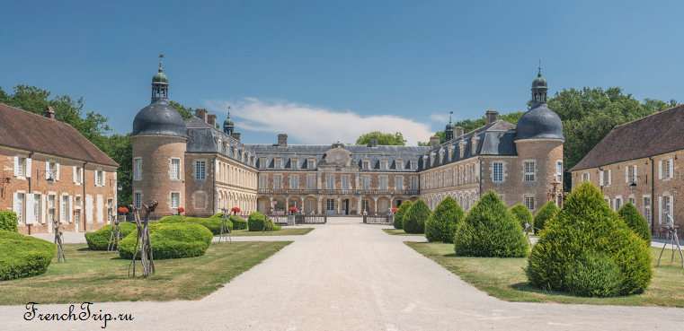 Château de Pierre-de-Bresse_Burgundy castles