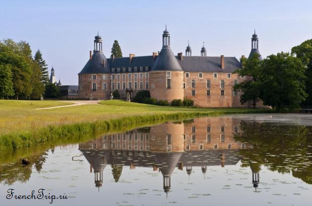 Chateau de Saint-Fargeau - Burgundy - French castles- Burgundu - French castles
