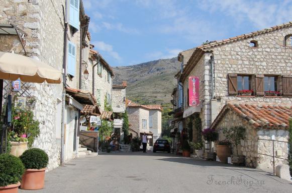 Gourdon (Гурдон), Прованс, Франция - путеводитель по городу