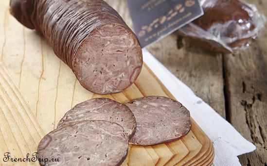 Normandie cuisine traditional dish sausage Andouille de Vire