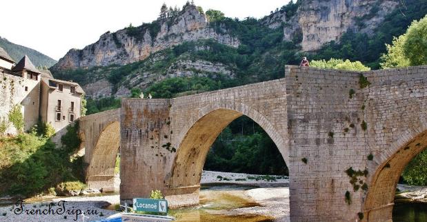 Sainte Enimie_walking tour_map_travel guide_bridge