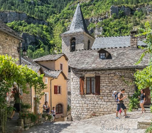Sainte Enimie_walking tour_map_travel guide_church