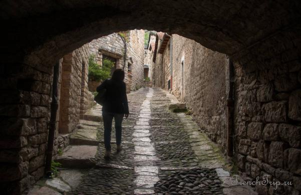 Sainte Enimie_walking tour_map_travel guide_street1