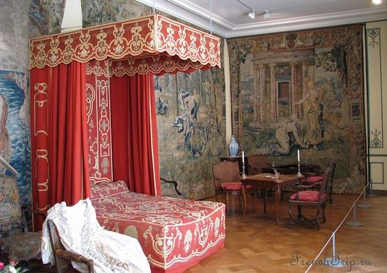 Château de Sully-sur-Loire, Loiret, France Loire castles chambre psichei