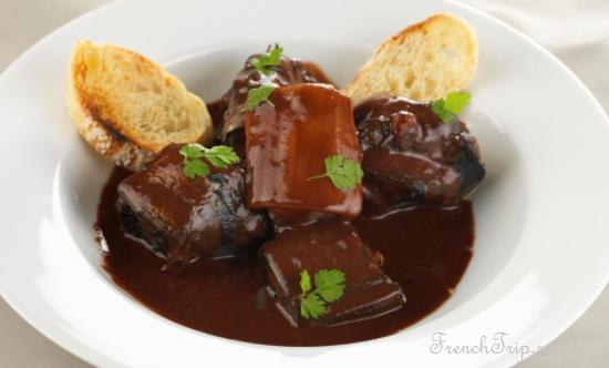 Lamproie à la bordelaise Кухня Бордо, традиционные блюда Бордо
