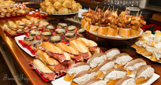 French Cuisine Aquitaine Pays Basques traditional dishes specialities pintxos du Pays Basque