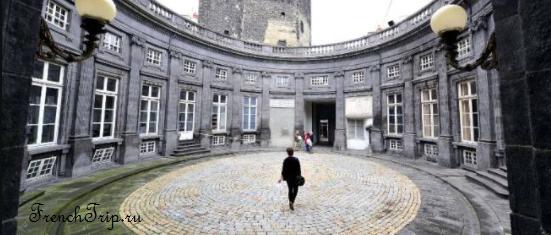 Clermont-Ferrand - Клермон-Ферран - достопримечательности, маршрут по городу, что посмотреть, фото - Hôtel Chazerat