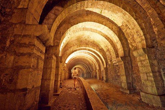 Salins-les-Bains (Сален-ле-Бен), Франция - путеводитель по городу: как добраться, что посмотреть, достопримечательности, фото. Солеварни, термальные бани